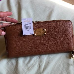 Michael Kors LUggage zap continental Leather